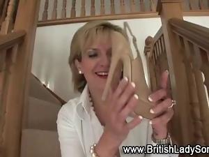 Mature femdom brit shoe posing naked