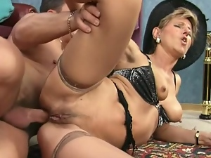 Kinky mature gets ass nailed