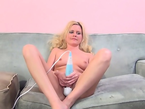 Australian blonde kelly surfer casting