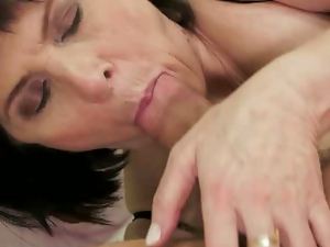 Milf margo pounded by a young cock