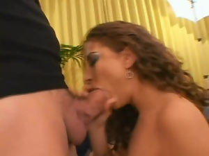 Married gal with curly hair fucked in threesome
