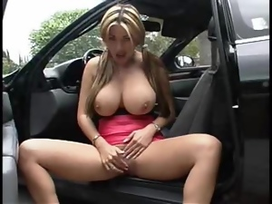 Asian with incredible tits flashes outdoors
