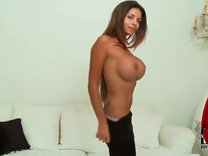 Fake tits hottie peels off her strapless top