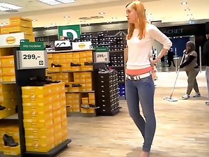 German Daria queen of high heels shopping 1