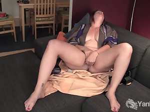 Amateur Young woman Veronica Fingering Her Slit
