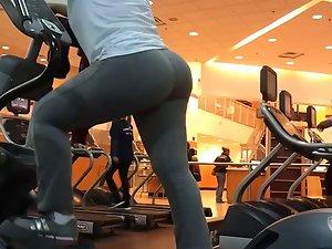 gym bubble ass latina