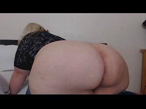Blond Fatty Farting