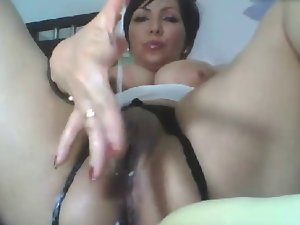 Big breast Mummy fingers her humid filthy sexy fanny
