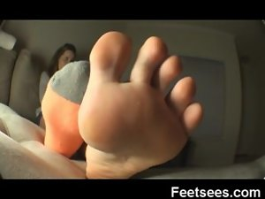anessa bare foot