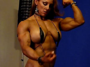 Sexual Muscle Goddess in Studio 2
