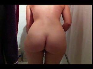 Jasmin Bretzigheimer receives a shower - Wild Butt