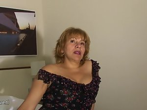 This Spanish granny loves to get slutty