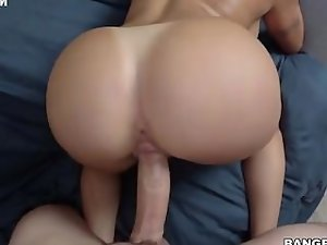 Big butt Latina nympho Julianna Vega gets her racy snatch hammered