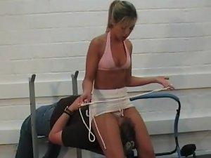 Gym Facesitting