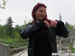 Sexual redhead amateur is screwed in a park for some cash