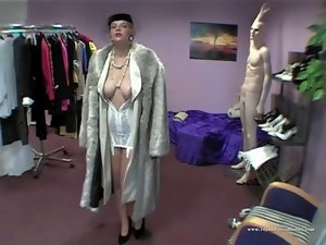 Sexual Styling Lady Grinded In Full Dress