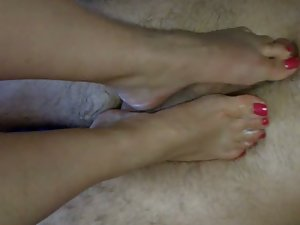 Jacky milking a raw penis dry with feet to taste fresh cum