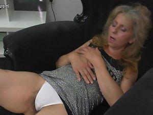 Experienced slutty mom masturbating watching xHamster
