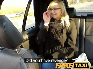 FakeTaxi Taxi driver screws glasses blondie on backseat