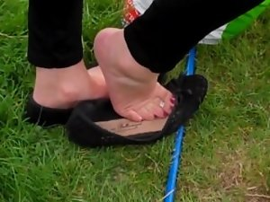 Candid Shoeplay Feet Dipping Sexual Toes