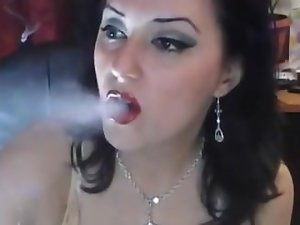 Kyanna Smoking Filterless