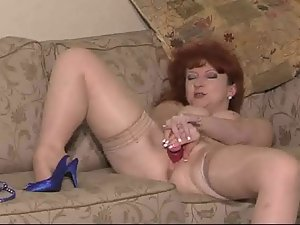 English whore Red plays with herself and then gets banged