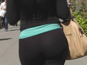 Big Latina Naughty butt