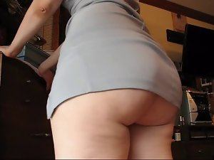 Big Butt in Dress Shaking (Sexy Cellulitis!)