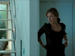 Gillian Anderson - Straightheads