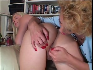 Using Their Tongues Two Cheating wives Go Down On Each Other