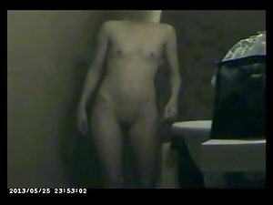 Flaquita en la ducha