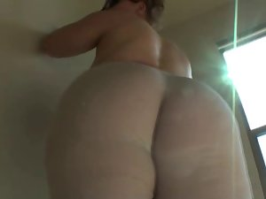 PAWG Posing In Tights