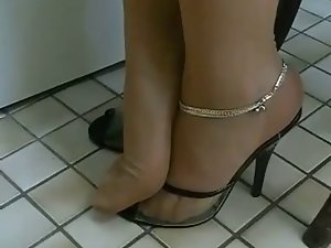 Luscious TOES IN NYLONS