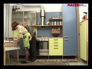 Casalinga italiana scopata - Italian house slutty wife