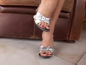 Feet i silver sandals mules heels - Pies sexys en tacones