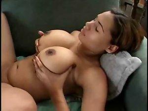 Dominicana mega boobs