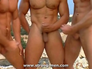 Crazy threesome action Muscle Hunks Outdoors