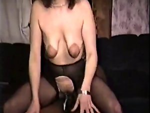 saggy experienced accepts bbc for hubby to watch