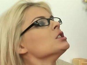 Fuck the teacher !