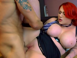 Huge knockers Harmony Reigns banged in sexual fishnets
