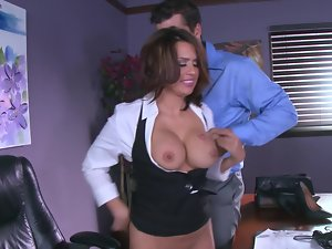 Office is wonderful place for spontanious sex with secretary