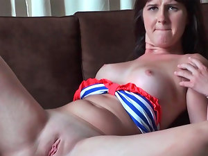 Olivia O'love giving head and getting nicely penetrated in her shaven vagina