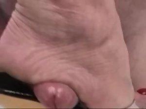 Brutal trample shoejob