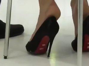 Hostess shoeplay naked at motorshow