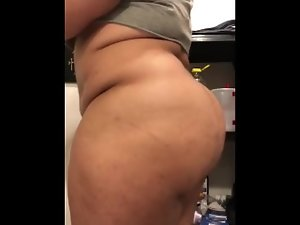 Big beautiful woman Transsexual PLAYING AROUND