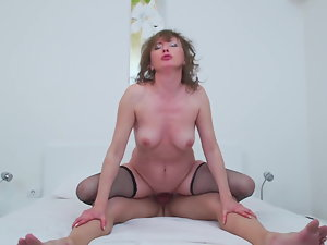 Natural mature mama suck and fuck 18yo dick