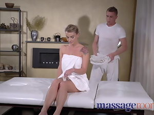 Rubdown Rooms Oily fuck for fetching mega big melons squirting rim