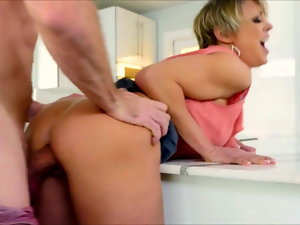 Dee Williams Mama Banged Nice In Kitchen