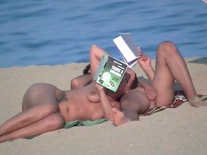 exibicionistas playa publica part 2