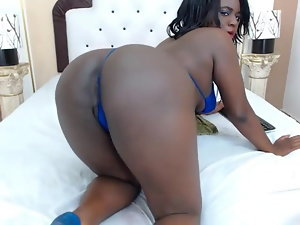 Ebony camwhore pulls panty aside to demonstrate dirty ass and pussy